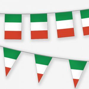 filari di bandierine tricolore