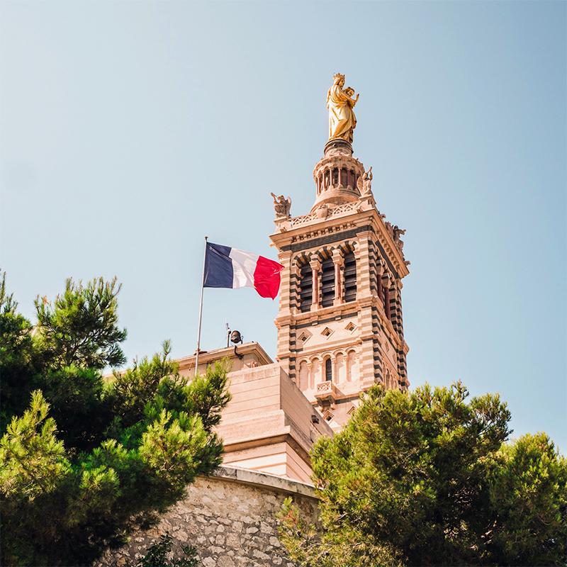 Pennone con bandiera francese