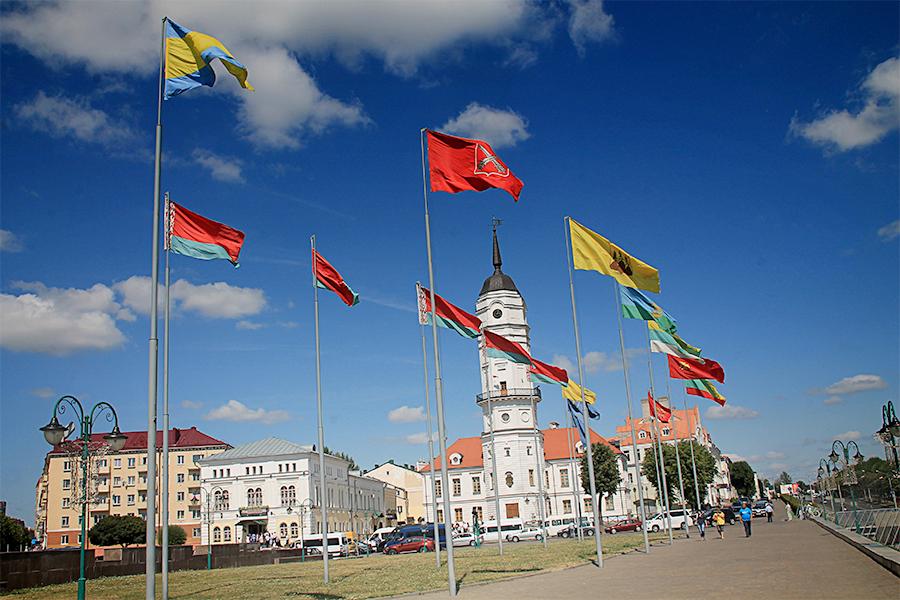 Esempio esposizione bandiere nazioni