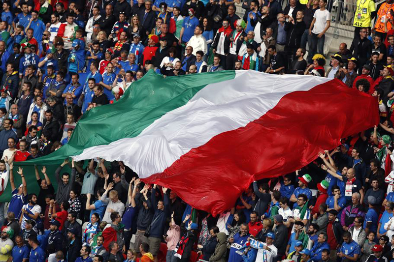 maxi bandiera tricolore