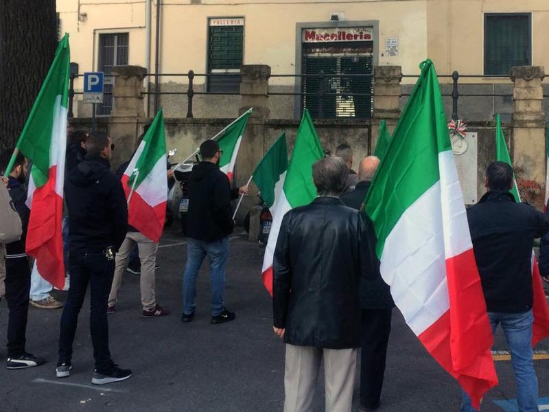 bandiera tricolore commemorazione